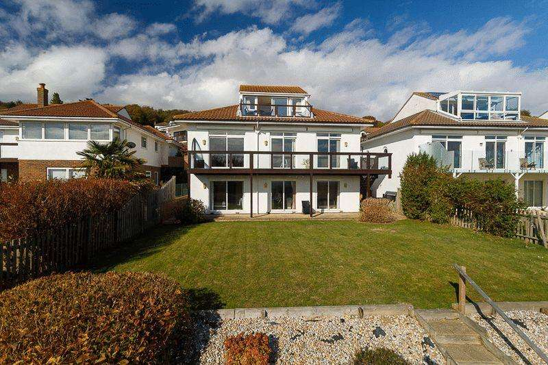 4 Bedrooms Detached House for sale in Sandgate