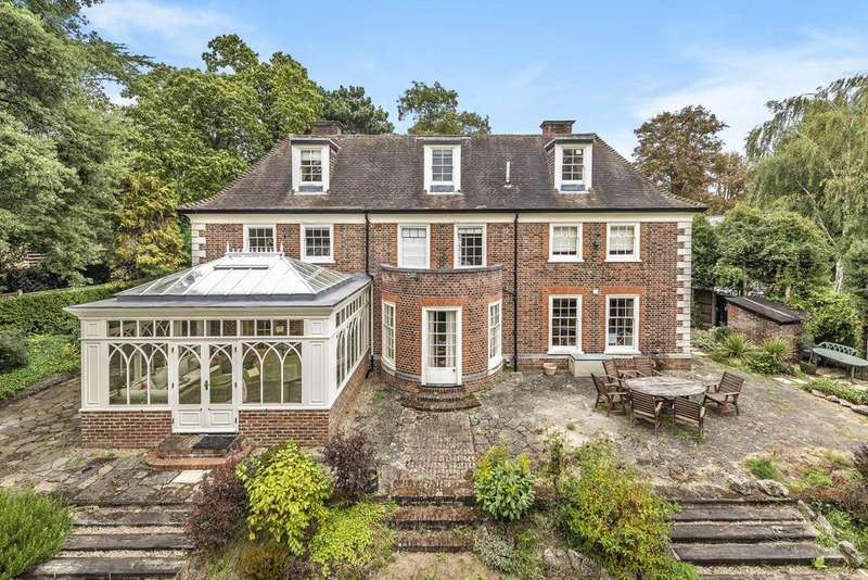 5 Bedrooms Detached House for sale in Foxes Dale, Blackheath