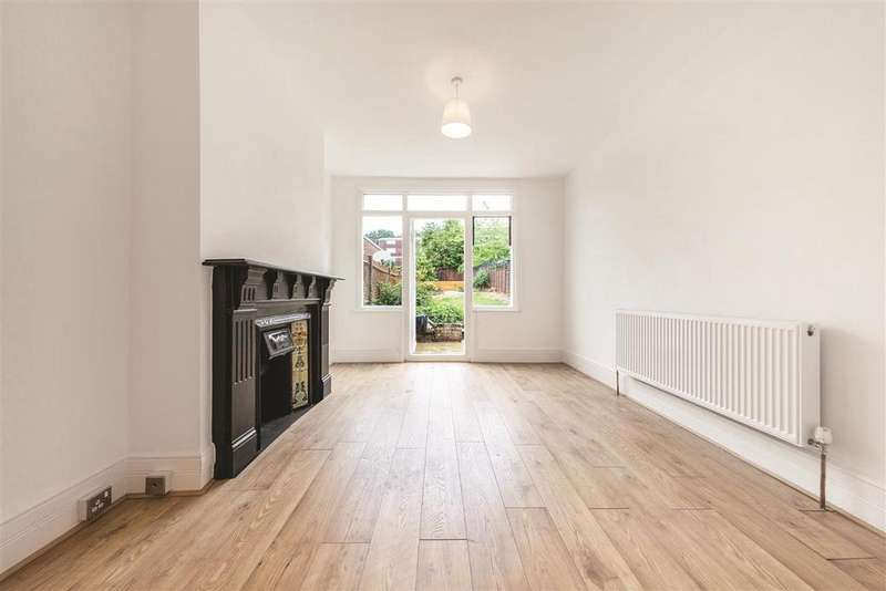 2 Bedrooms Flat for sale in Beauchamp Road, SE19