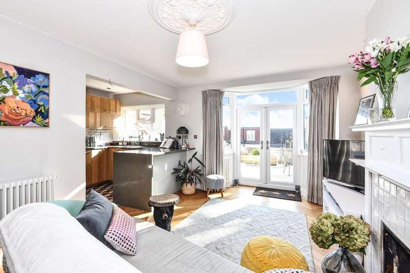 2 Bedrooms Maisonette Flat for sale in Church Road, Crystal Palace