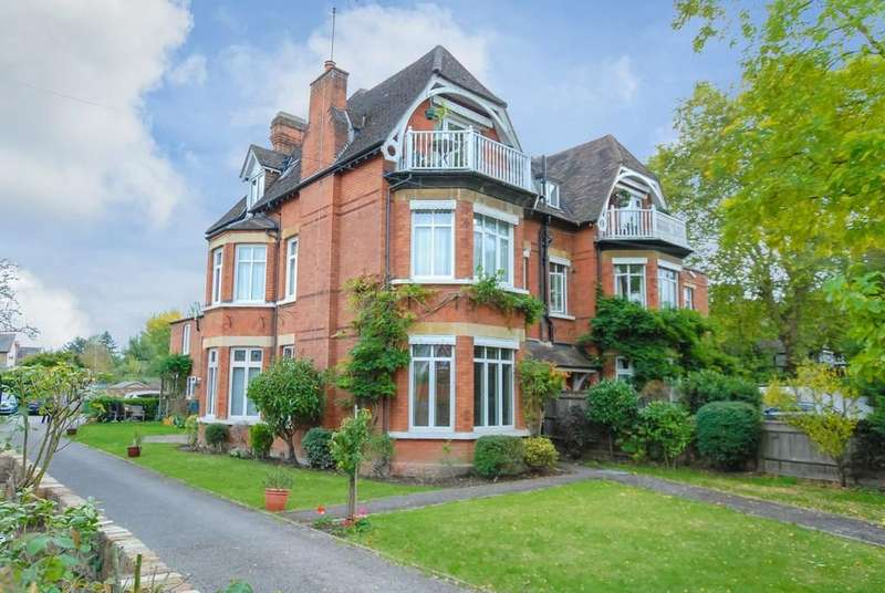 2 Bedrooms Apartment Flat for sale in The Avenue, Datchet