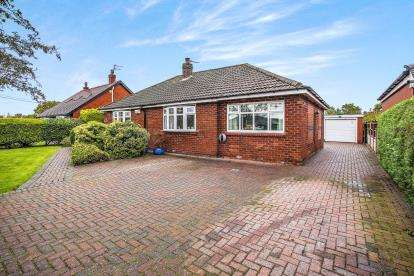 4 Bedrooms Bungalow for sale in Leyland Lane, Leyland, PR25