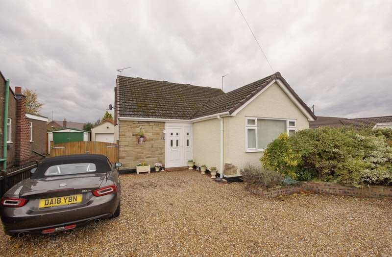 4 Bedrooms Bungalow for sale in Barkhill Road, Vicars Cross, Cheshire, CH3