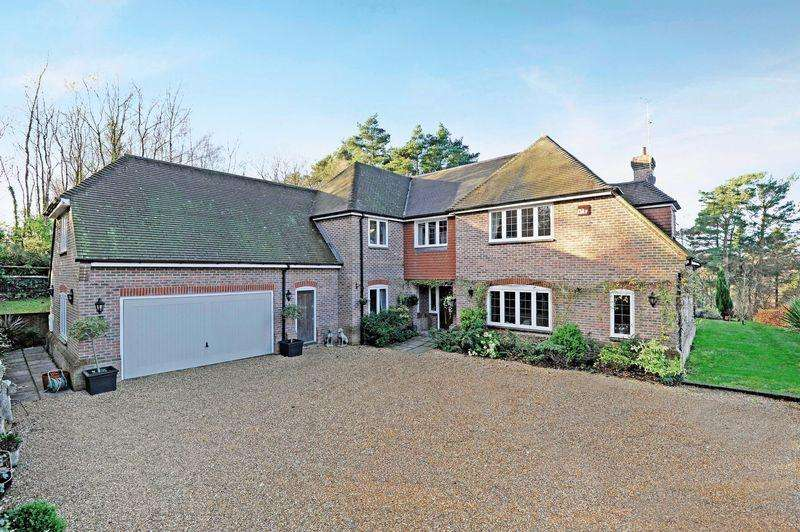 6 Bedrooms Detached House for sale in Chase Lane, Haslemere