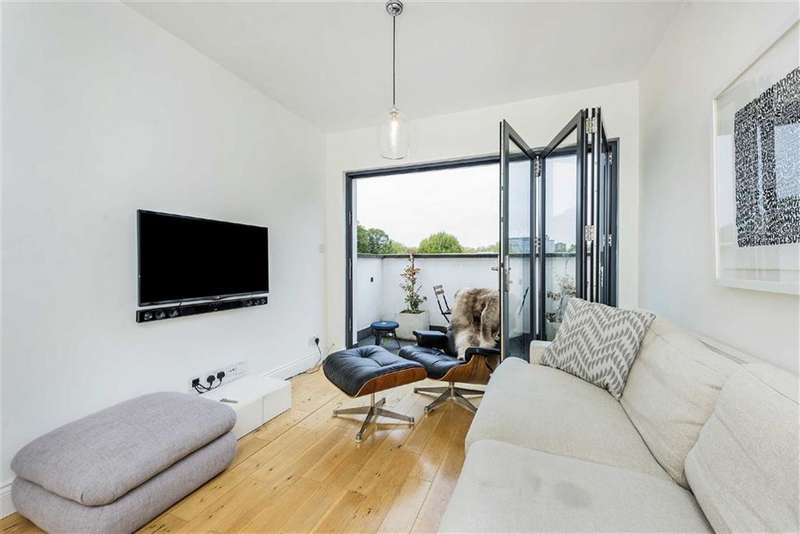 1 Bedroom Flat for sale in Bronsart Road, Fulham, London, SW6