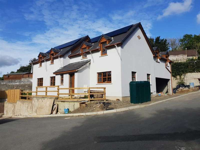 4 Bedrooms Detached House for sale in Rhydfelin, Narberth, Pembrokeshire
