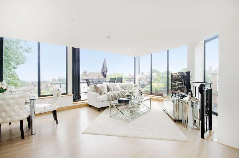 3 Bedrooms Flat for sale in Leopold Road, Wimbledon, SW19