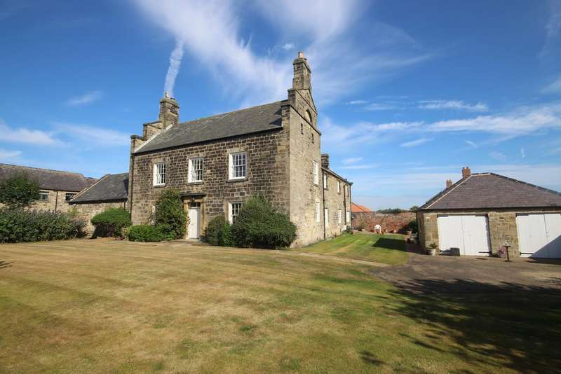5 Bedrooms Detached House for sale in Lookout Farm, The Avenue, Seaton Sluice, Whitley Bay, NE26
