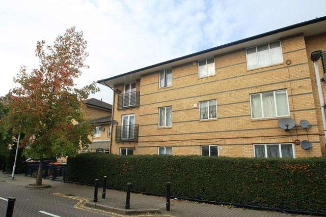 1 Bedroom Apartment Flat for sale in Warwall, London, E6
