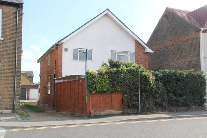 2 Bedrooms Flat for sale in Meadfield Road, Langley, Slough, SL3