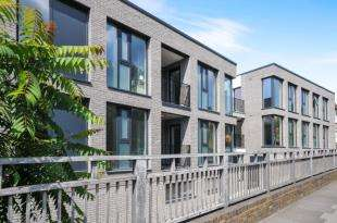 1 Bedroom Flat for sale in Carter House, 1A Brookhill Road, London