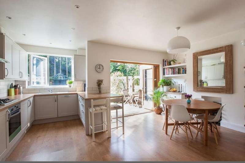 5 Bedrooms Terraced House for sale in The Woodlands, Hither Green