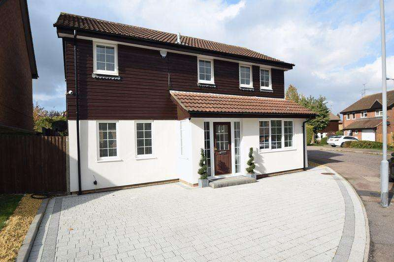 4 Bedrooms Detached House for sale in Evergreen Way, Luton