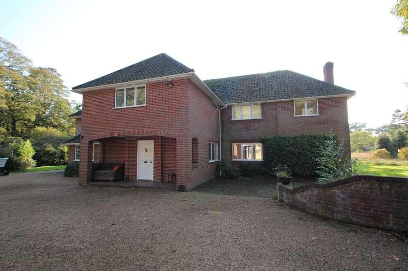 5 Bedrooms Detached House for sale in Wroxham Road, Rackheath