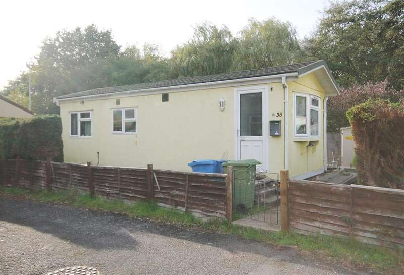 1 Bedroom Park Home Mobile Home for sale in Hawley Lane, Farnborough