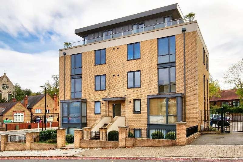 2 Bedrooms Flat for sale in Alton Road, Roehampton, London, SW15 4LF