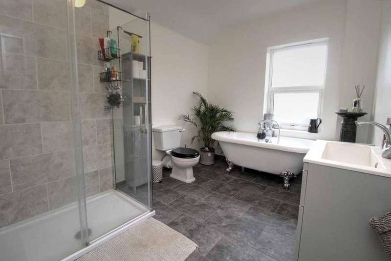 2 Bedrooms Semi Detached House for sale in Harrowden Road, Bedford, Bedfordshire, MK42