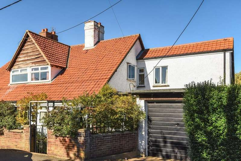 3 Bedrooms Semi Detached House for sale in Old Hunstanton