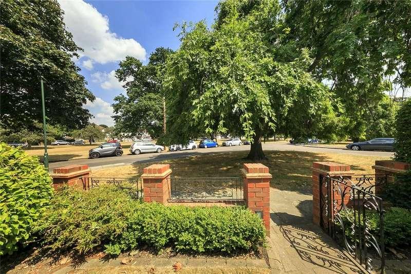 4 Bedrooms Semi Detached House for sale in Wellesley Crescent, Twickenham, TW2
