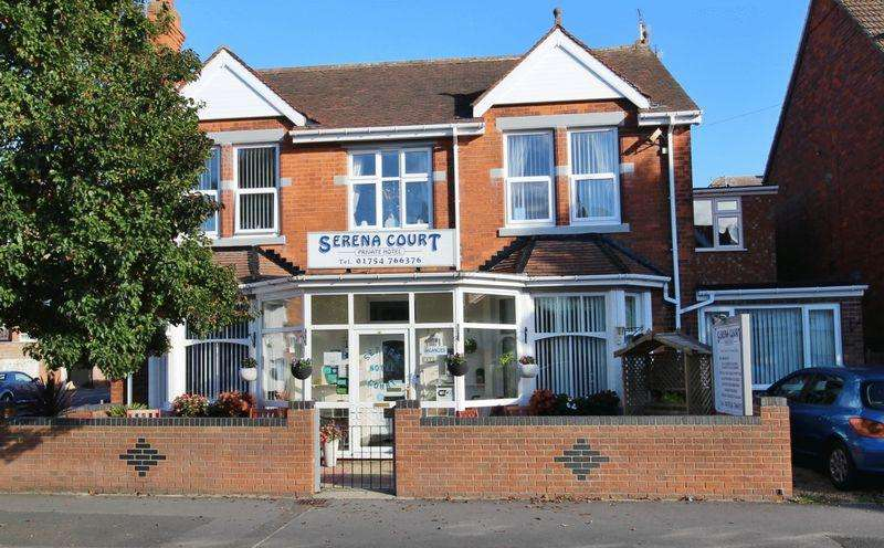 12 Bedrooms Guest House Commercial for sale in Drummond Road, Skegness