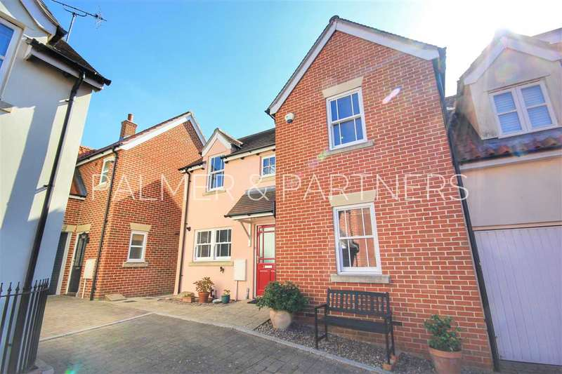 3 Bedrooms Semi Detached House for sale in Pilgrims Court, Cuckoo Hill, Bures
