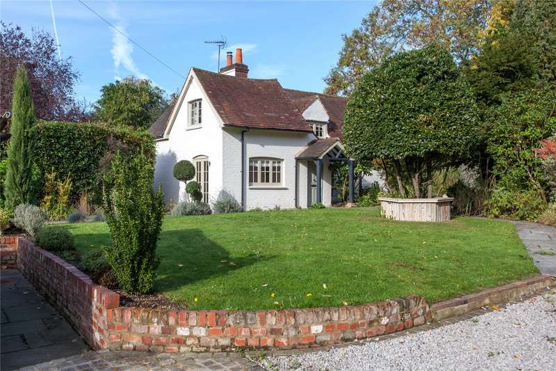 4 Bedrooms Detached House for sale in Bath Road, Kiln Green, Berkshire, RG10