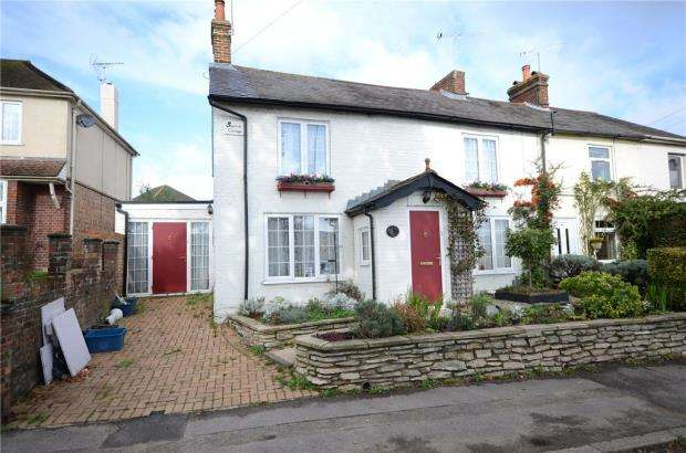 4 Bedrooms End Of Terrace House for sale in Lower Farnham Road, Aldershot, Hampshire