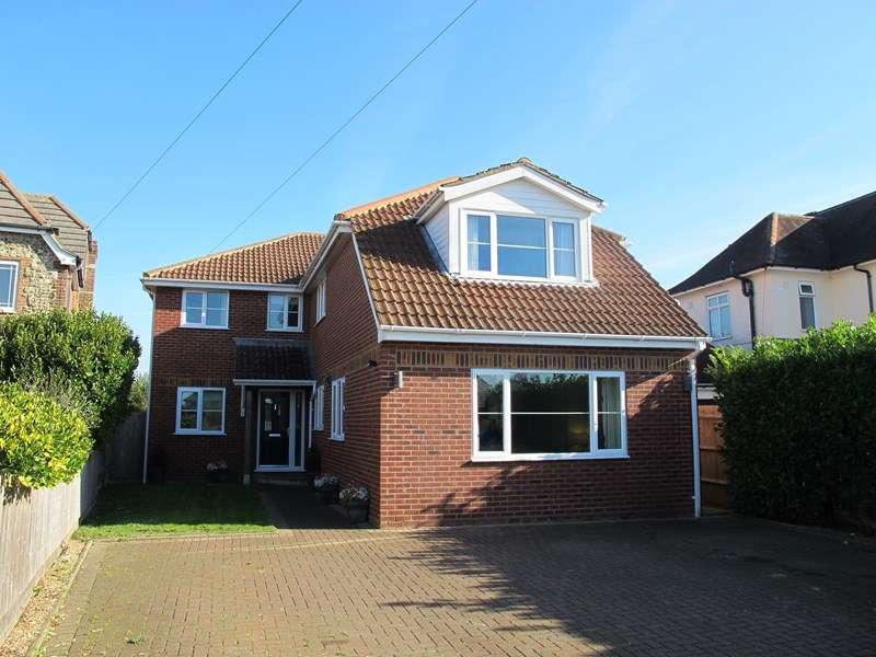 5 Bedrooms Detached House for sale in Chester Crescent, Lee-On-The-Solent