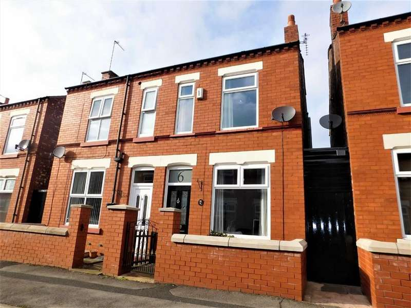 2 Bedrooms Semi Detached House for sale in Avon Street, Shaw Heath, Stockport