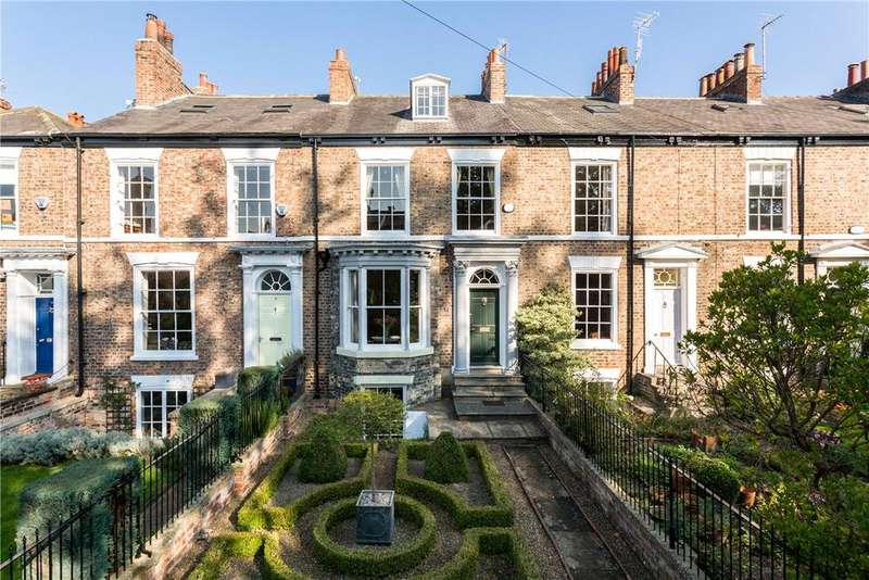 3 Bedrooms Terraced House for sale in Mount Parade, York, YO24