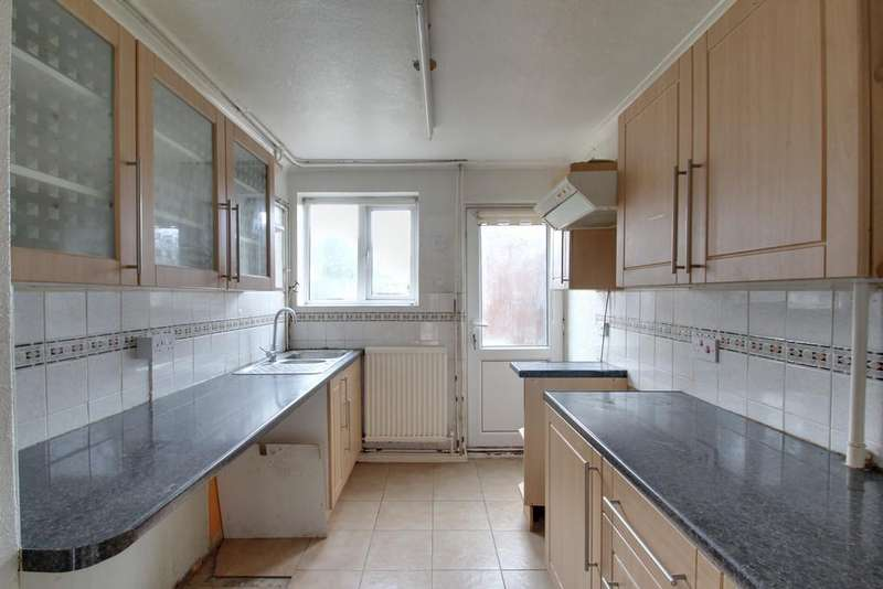 2 Bedrooms Semi Detached House for sale in Ivychurch Crescent, Leicester
