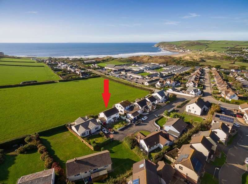 3 Bedrooms Detached House for sale in Croyde