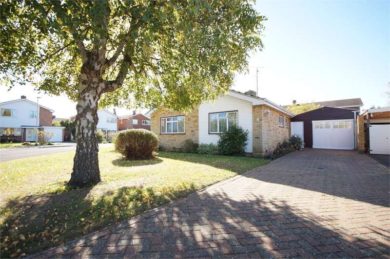 2 Bedrooms Detached Bungalow for sale in Nash Close, Earley, READING, Berkshire