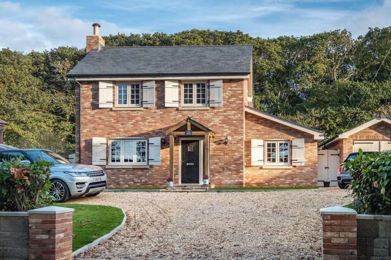 4 Bedrooms Detached House for sale in Queen Bower, Isle Of Wight