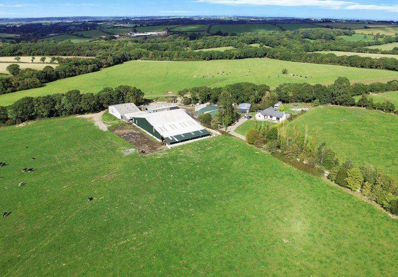 3 Bedrooms Farm Commercial for sale in Sampford Courtenay, Okehampton