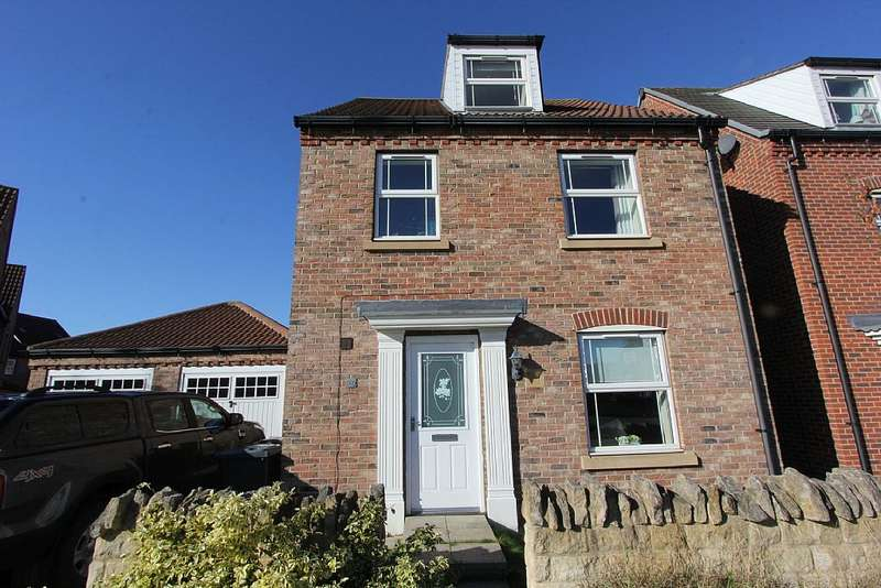 4 Bedrooms Detached House for sale in St. Augustine Road, Lincoln, Lincolnshire, LN2 4FH