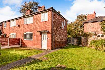 3 Bedrooms Semi Detached House for sale in Houghend Avenue, Chorlton, Manchester, Greater Manchester
