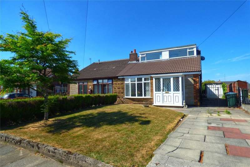 4 Bedrooms Bungalow for sale in 23 Warwick Road, Alkrington, Middleton, Manchester