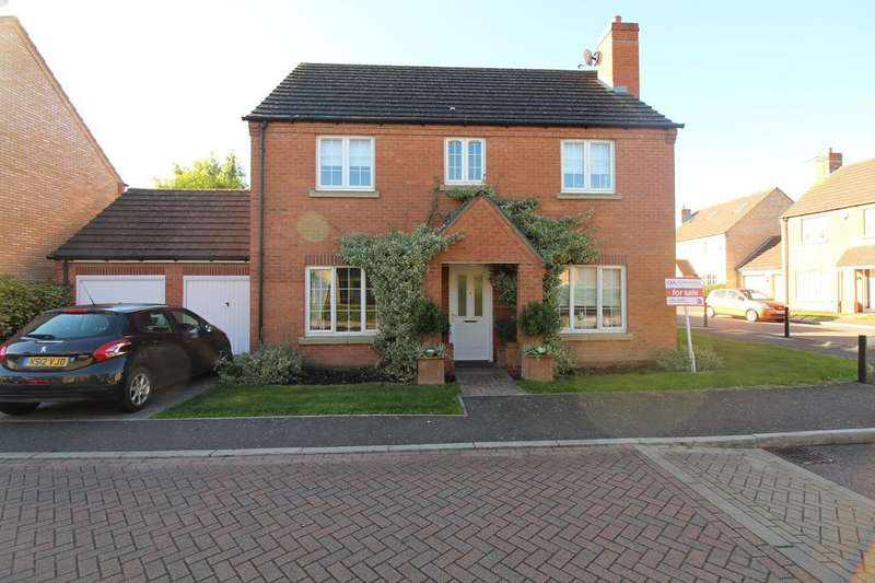 4 Bedrooms Detached House for sale in Bluebell Close, Ramsey