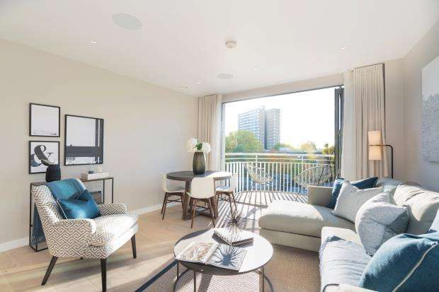 3 Bedrooms Flat for sale in St. Augustines Road, Camden, London, NW1