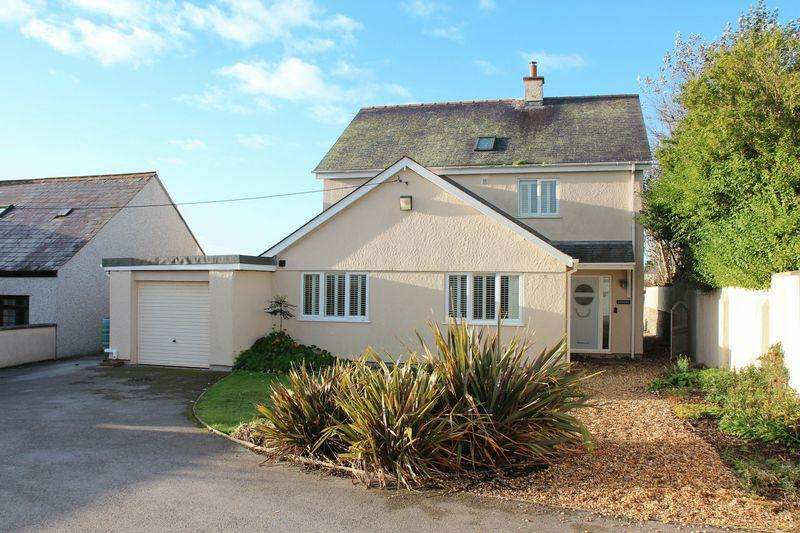 4 Bedrooms Detached House for sale in Ffordd Maelog, Rhosneigr