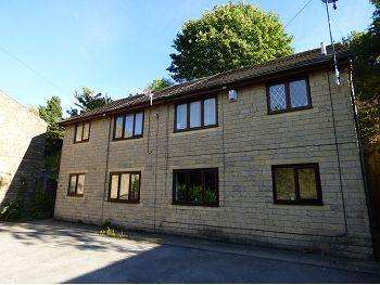 1 Bedroom Flat for sale in Junction Court, Glossop, SK13 8EP