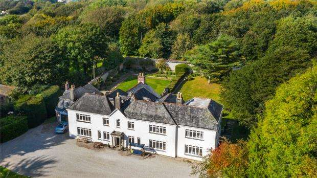 7 Bedrooms Detached House for sale in Trekenning, Newquay, Cornwall