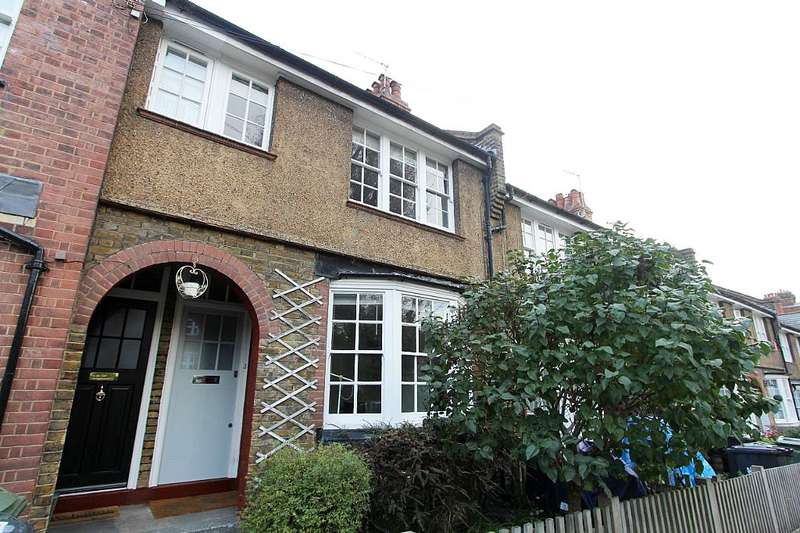 2 Bedrooms Cottage House for sale in Peabody Cottages, Rosendale Road, London, London, SE24 9DN