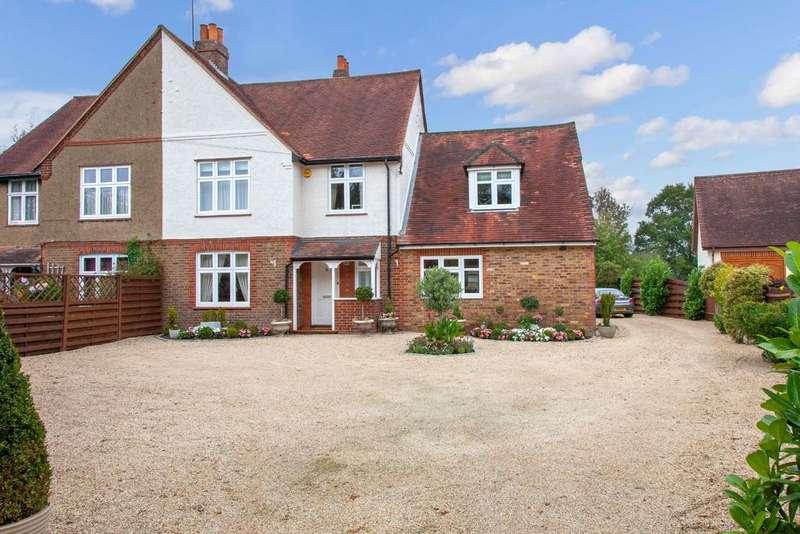 5 Bedrooms Semi Detached House for sale in Widmoor, Wooburn Green