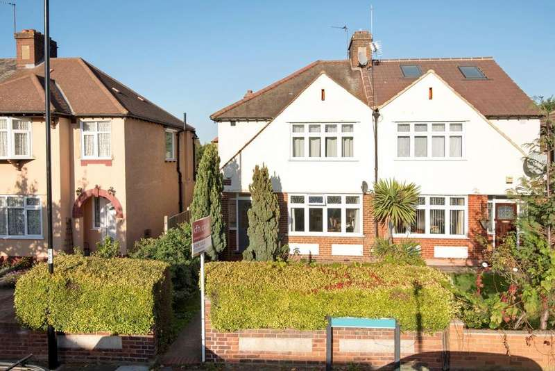 3 Bedrooms Semi Detached House for sale in Brangbourne Road, Bromley