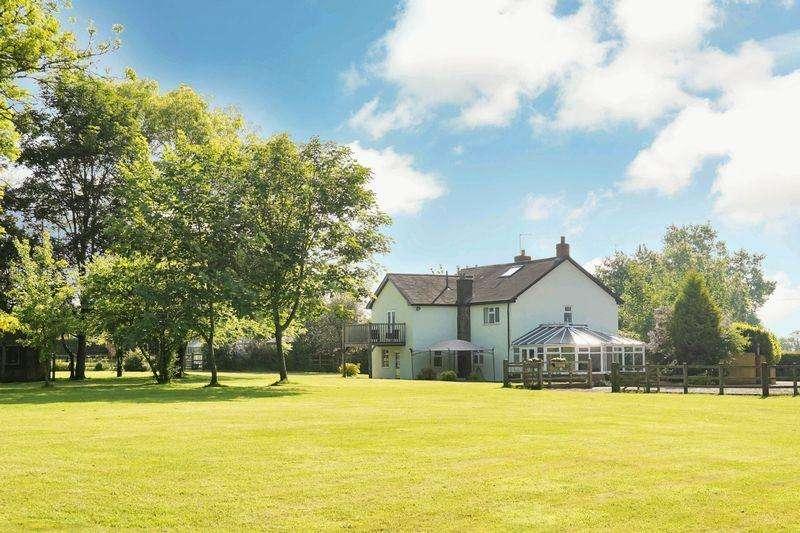 5 Bedrooms Detached House for sale in Goldstone Road, Hinstock, Market Drayton
