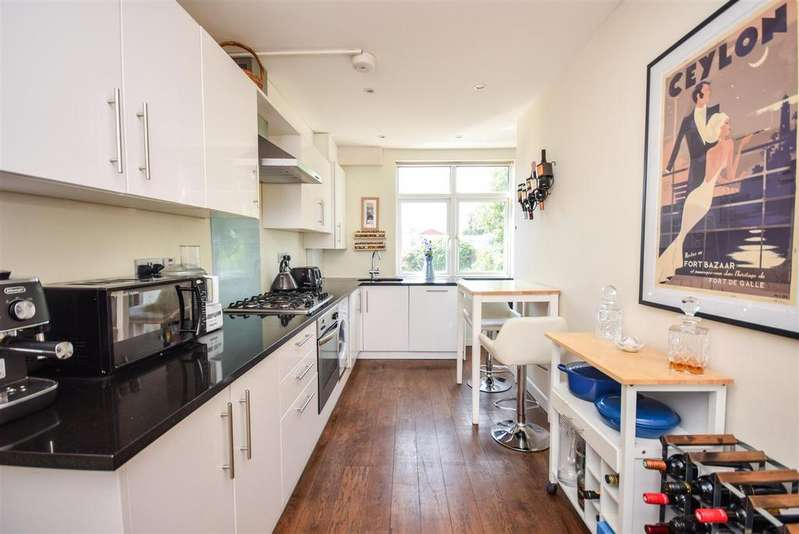 2 Bedrooms Maisonette Flat for sale in TWO DOUBLE BEDROOM PRIVATE GARDEN, 0.3 MILES TO RAYNES PARK