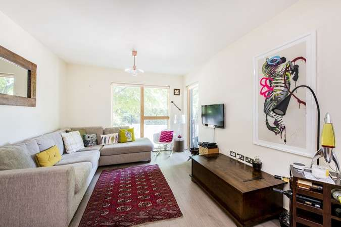 2 Bedrooms Flat for sale in Bollo Lane, Chiswick