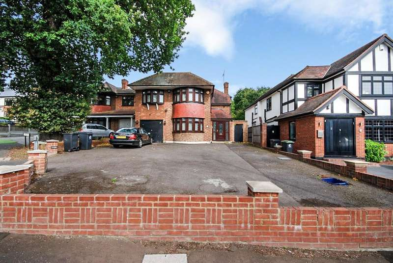 5 Bedrooms Detached House for sale in Chigwell Rise, Chigwell